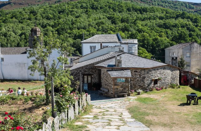 Camino de Santiago Accommodation: Albergue A Horta de Abel