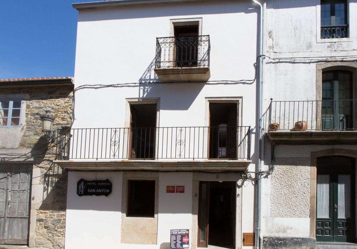 Camino de Santiago Accommodation: Albergue San Antón
