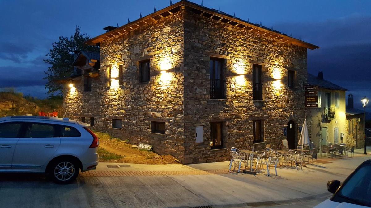 Camino de Santiago Accommodation: Albergue La Posada del Druida