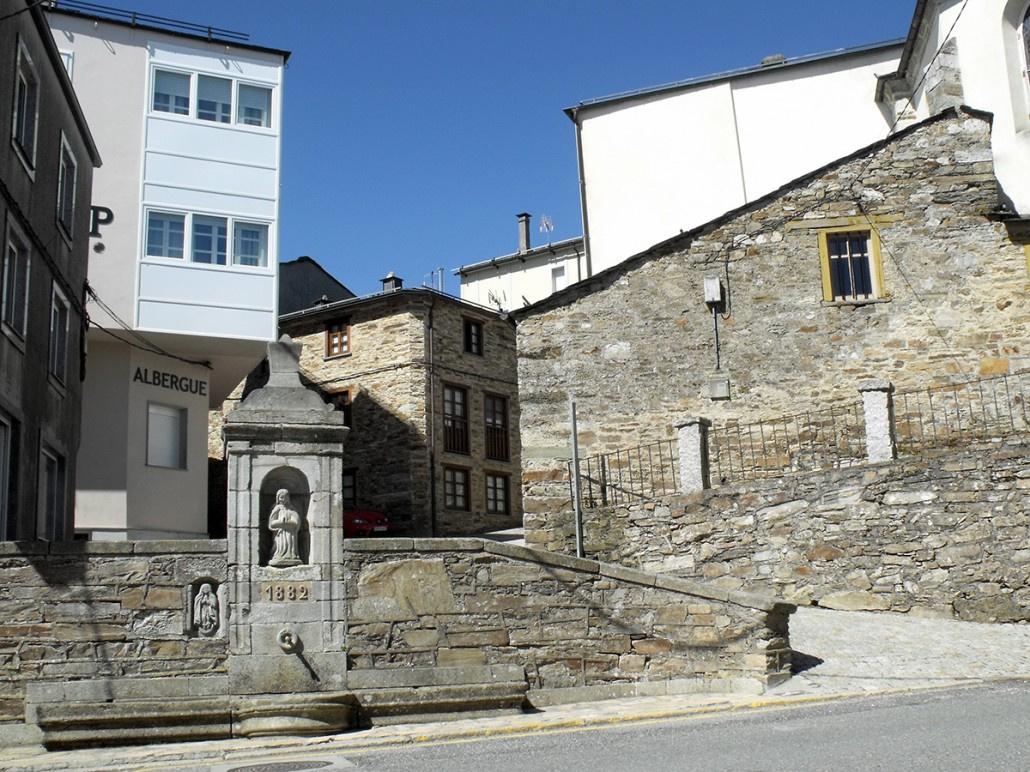 Camino de Santiago Accommodation: Albergue Pensión Cantábrico