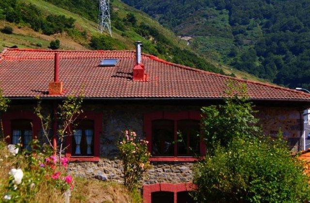 Camino de Santiago Accommodation: Posada Real de Pajares