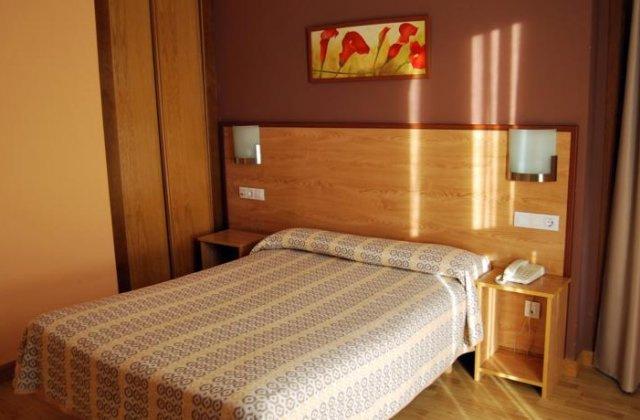 Camino de Santiago Accommodation: Hotel Santa Cristina ⭑⭑⭑