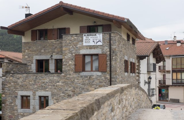 Camino de Santiago Accommodation: Albergue Río Arga Ibaia