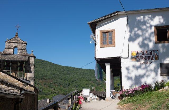 Camino de Santiago Accommodation: Albergue Parroquial de Trabadelo