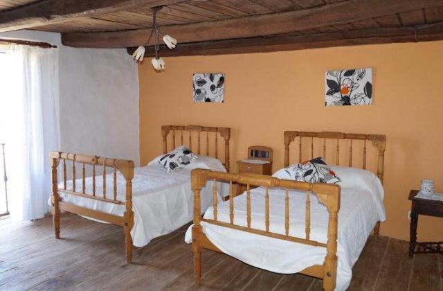 Camino de Santiago Accommodation: Los Polvazares