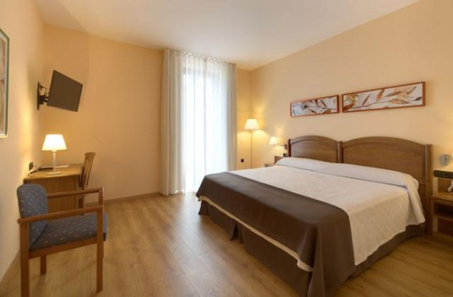 Camino de Santiago Accommodation: Hotel Astur Plaza ⭑⭑⭑
