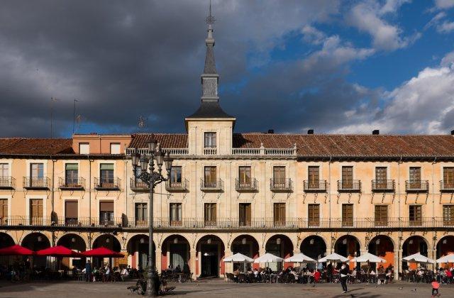 Camino de Santiago Accommodation: Hotel NH Plaza Mayor ⭑⭑⭑⭑