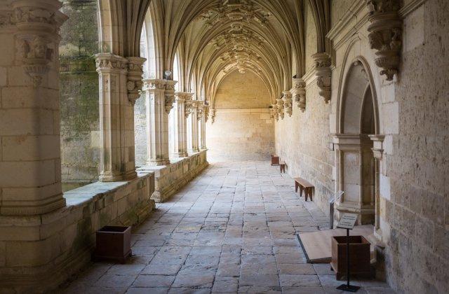 Camino de Santiago Accommodation: Hotel Real Monasterio de San Zoilo ⭑⭑⭑⭑