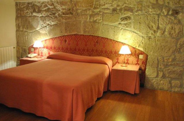 Camino de Santiago Accommodation: Hotel La Posada de Castrojeriz ⭑⭑⭑