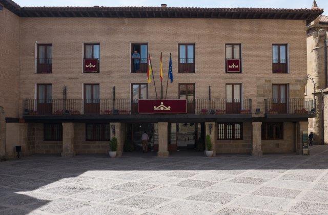 Camino de Santiago Accommodation: Parador de Santo Domingo de la Calzada ⭑⭑⭑⭑