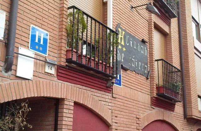 Camino de Santiago Accommodation: Hostal Ciudad de Nájera ⭑⭑
